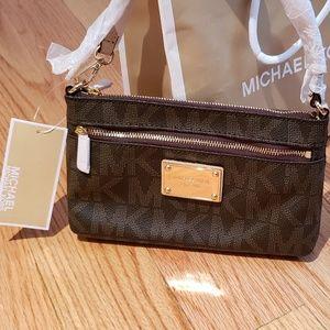 NWT Michael Kors convertible Wristlet to Bag